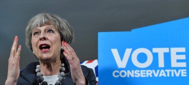 Na zdjęciu szefowa Partii Konserwatywnej i obecna premier Theresa May.