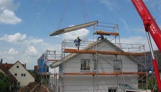 Budowa domu czy kupno mieszkania? Zobacz co się bardziej opłaca
