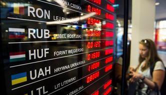 Kurs rubla spada przez Grecj�, Chiny i rop�