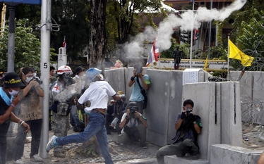 Zamieszki w Bangkoku. Wojsko wychodzi na ulice