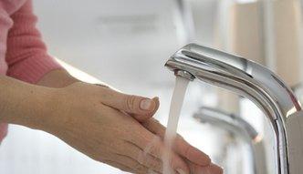 Opłaty za wodę. Mieszkańcy Białegostoku i Olsztyna nie mają powodów do radości