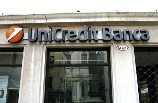 Unicredit sprzedał Pekao i traci na giełdzie. Bank przetestuje wytrzymałość włoskiego systemu