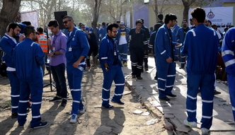 Strajk w Kuwejcie. Pracownicy przemys�u naftowego protestuj� przeciw ci�ciom p�ac