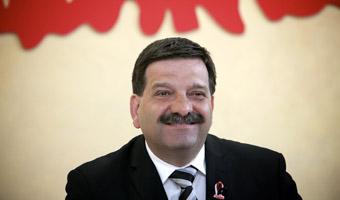 Solidarno�� popiera Kaczy�skiego, jak kiedy� Wa��s�