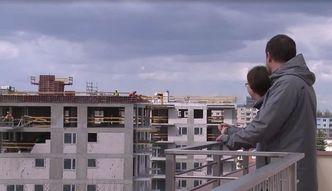 Mieszkania dro�sze o 20 tys. z�. Przez podatek bankowy