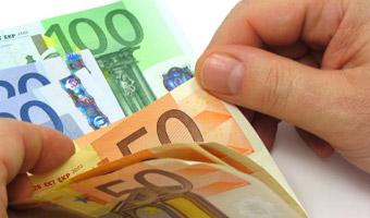 Kredyt w euro: Raty ni�sze o 25 procent ni� w z�otych