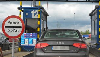 Rz�d zn�w otworzy bramki autostradowe na wakacje. Kolejne miliony wyrzucone w b�oto