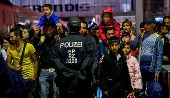 Kryzys migracyjny. Azylanci b�d� kosztowa� Niemc�w 10 mld euro