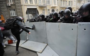 Demonstracje w Kijowie. To prze�omowy dzie� dla Ukrainy