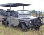 W teren z napędem elektrycznym - Land Rover Defender