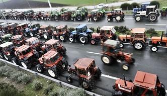 Blokady rolnicze w Grecji dobijaj� bud�et. Nawet 30 mln euro straty