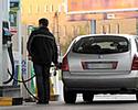 Ceny paliw spadaj�. B�dzie jeszcze taniej?