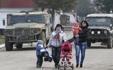 Uchod�cy z Ukrainy w Polsce. Trzy warianty dzia�a�