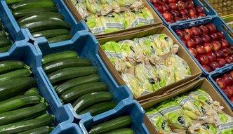 Pomoc dla rolnik�w. ARR wyp�aci�a producentom owoc�w i warzyw p� miliarda z�