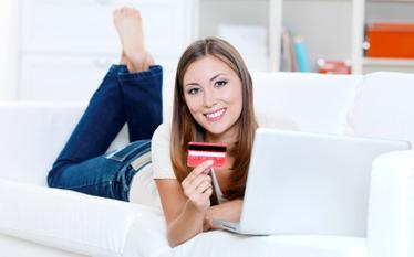 Sklepy zyskuj�, aukcje trac� - co, gdzie i za ile kupujemy w sieci. Ankieta Money.pl