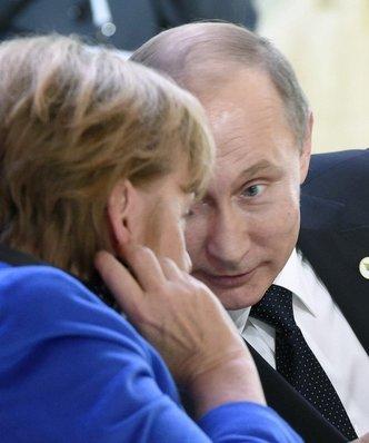 """Niemcy gotowe odpu�ci� Rosji. """"Spiegiel"""": jest plan z�agodzenia sankcji"""