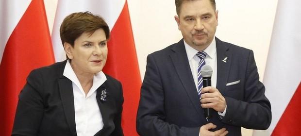 Na zdjęciu Piotr Duda razem z Beatą Szydło