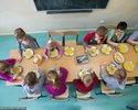 Wiadomości: Ciepły posiłek w szkole dla każdego ucznia? MEN oszacował koszty