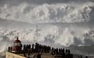 Najwi�ksze na �wiecie fale u wybrze�y Portugalii