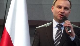 Obietnice wyborcze Andrzeja Dudy. Prezydent zapewnia: Wywi��� si� ze zobowi�za�