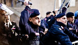 Mafia w�oska. Mieszka�cy Neapolu stan�li w obronie bossa kamorry