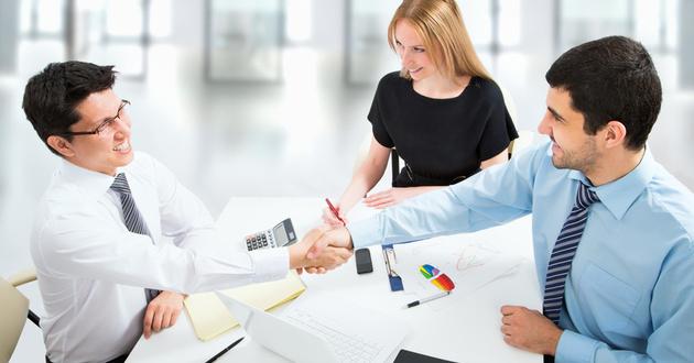 Na rozmowie kwalifikacyjnej nie warto udawać.<br> Jeśli czegoś nie wiesz, najlepiej od razu się do tego przyznaj.<br>