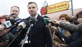 """Kaczy�ski """"zreformowa�"""" Biedronk�? Oto jak politycy flirtowali z sieci� dyskont�w"""