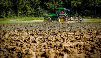 Zakaz sprzeda�y ziemi rolnej do poprawy. Wszystkie kluby sejmowe za