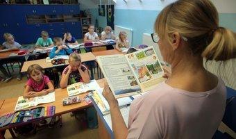 Ponad 8 tys. ofert pracy dla nauczycieli w bazach kuratoriów oświaty