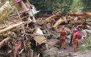 Pow�d� w Panamie. Zniszczone domy i most