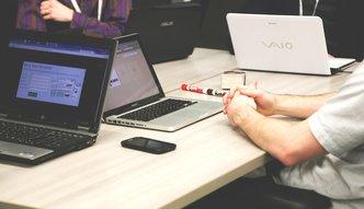 90 minut w ciszy i bez e-maili może poprawić efektywność pracy