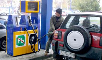 Podatek VAT 2011. Koniec odlicze� za paliwo. Zobacz ile stracisz