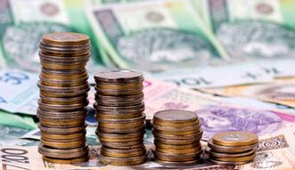 Kredyty w Polsce. Rezygnujemy z mieszkaniowych, ale przy innych pad� rekord