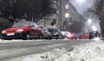 Pogarszają się warunki jazdy na drogach