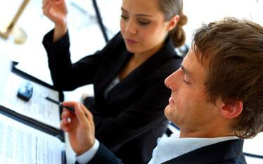 Likwidacja licencji i zezwole� u�atwi zak�adanie firm