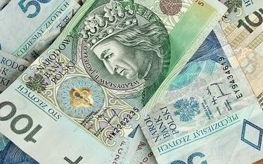 Kredyt gotówkowy czy zadłużenie na karcie? Zobacz, co lepsze
