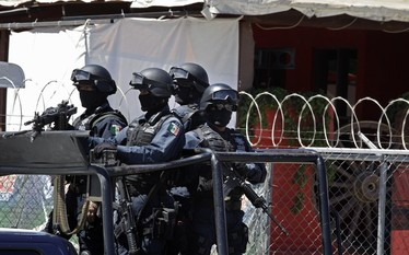 Meksyk: Policja znalaz�a pi�� cia� pozbawionych g��w