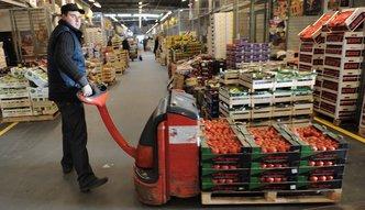 Zakaz handlu w niedziel� odbije si� czkawk� w poniedzia�ek. Problem ze �wie�ymi warzywami i owocami