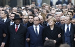 Marsz solidarno�ci w Pary�u. Obok siebie Hollande, Merkel i Tusk