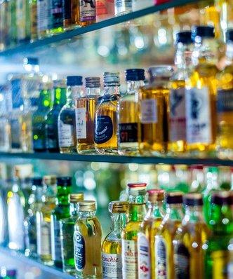 Ile kalorii ma alkohol? Bruksela chce obowiązkowych danych na etykietach
