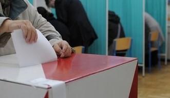 Wybory do Sejmu. Sonda� CBOS pogr��a PO