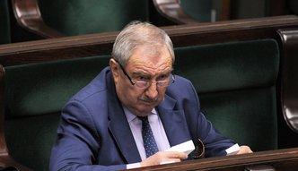 """Poseł PiS stawia żądanie premier Beacie Szydło i jej ministrom. Nie chce """"obcych gazet"""" w resortach"""