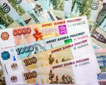 Sankcje wobec Rosji mog� zmniejszy� jej PKB o 9 proc. Niskie ceny ropy dobijaj� gospodark�