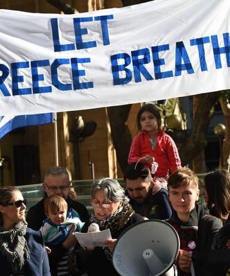 """Referendum w Grecji: g�os Grek�w na """"nie"""" to chaos i wyj�cie ze strefy euro"""