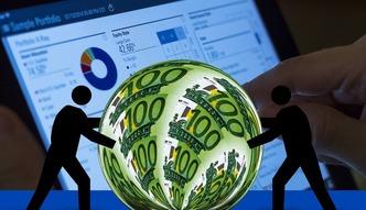 Zyski bank�w trafiaj� z Polski do W�och, USA a nawet Japonii. W sumie 2,5 mld z�