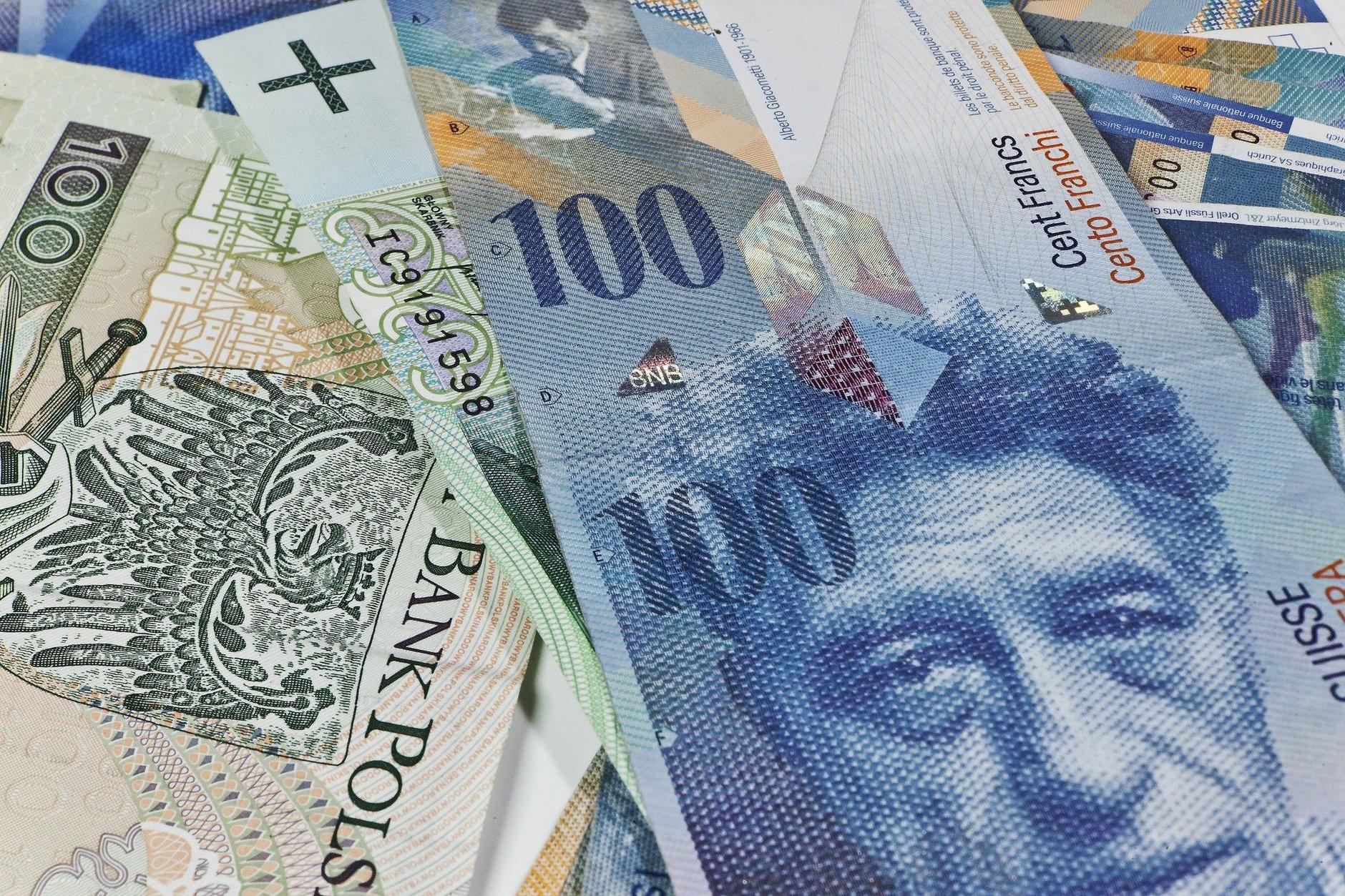 Zdjęcie obrazujące: Kredyty frankowe. To ma skłonić banki do przewalutowania