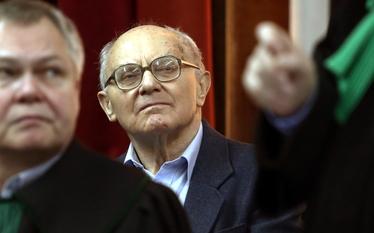 Stanis�aw Kocio�ek nie czuje si� winny masakry z grudnia 1970 roku