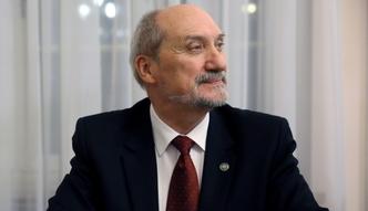 """Kontrakt na obron� powietrzn� """"w istocie nie istnieje"""" - twierdzi Macierewicz"""