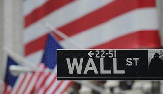 Lekkie spadki na Wall Street. Apple poda� wyniki