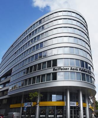 Raiffeisen dokonał odpisów na ponad 100 milionów złotych